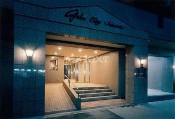 現場は渋谷区笹塚2丁目の「ガーラ笹塚駅前」3