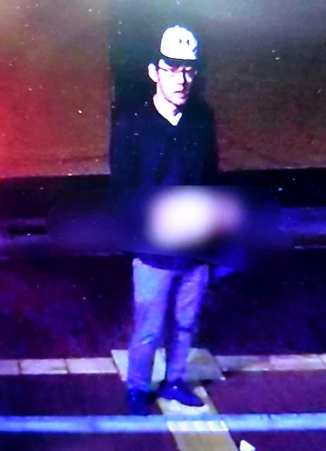 交番で警官刺され意識不明 犯人の画像公開 犯人逃走中2