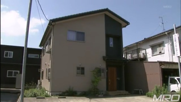 現場は金沢市額乙丸町の角斉の自宅