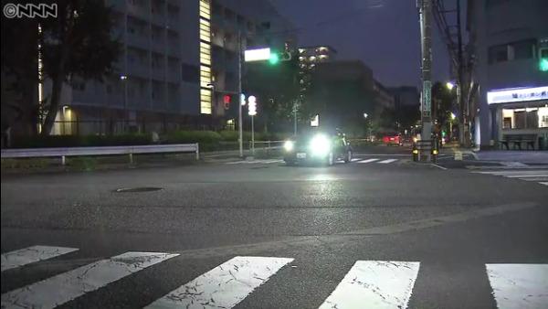 現場は東京都北区西が丘3丁目の「ナショナルトレーニングセンター前」交差点