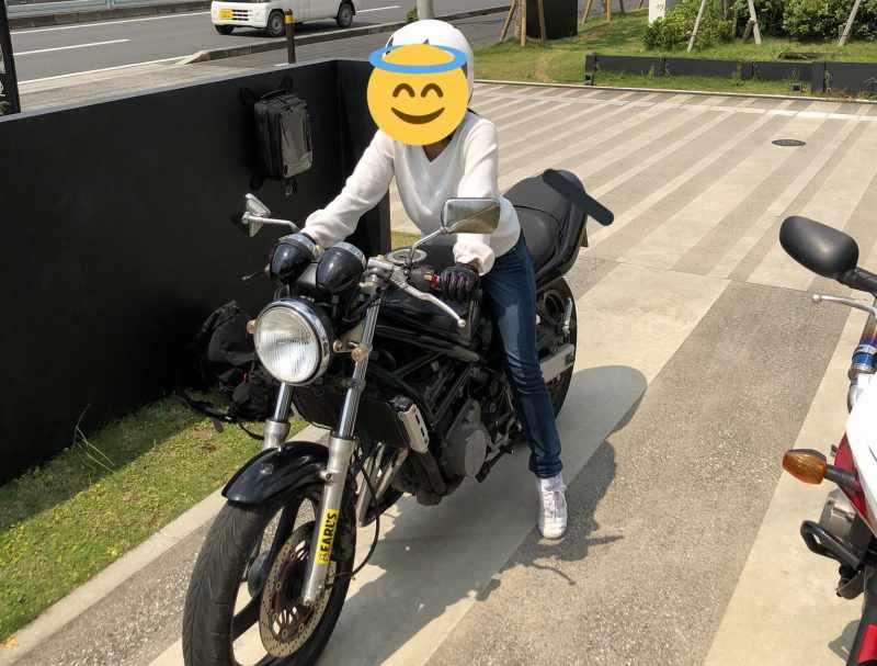 神奈川県愛川町田代の国道412号で県立高校1年の女性(ゆちゃ@バンディット250)さんがガードレールに衝突し転落して死亡