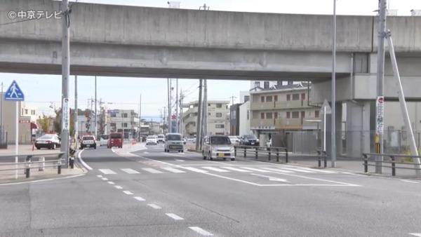 現場は安城市桜井町の桜井駅近くの横断歩道