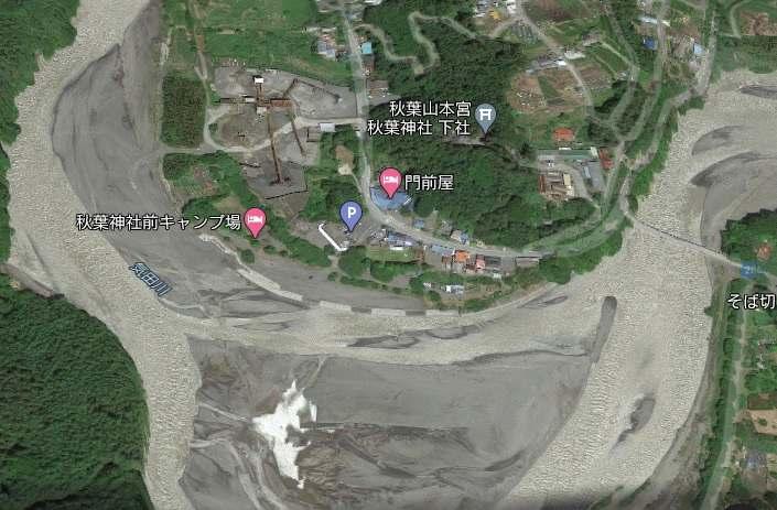 現場は浜松市天竜区春野町領家の「秋葉神社前キャンプ場」