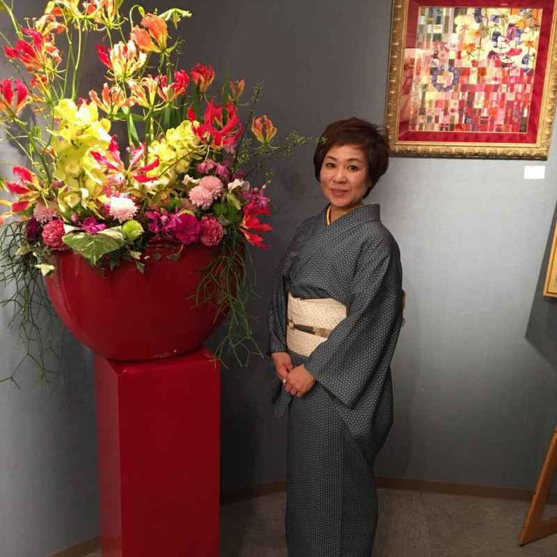https://www.facebook.com/toshimi.kawasaki.980