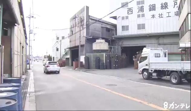現場は泉佐野市鶴原の「西浦鋼線所」前の道路