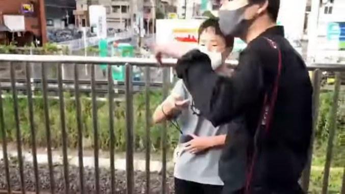 JR西川口駅で「撮り鉄」同士がトラブル 中学生が押し倒され頭蓋骨骨折の重症 「あしかが大藤まつり号」を撮影 犯人逃走中