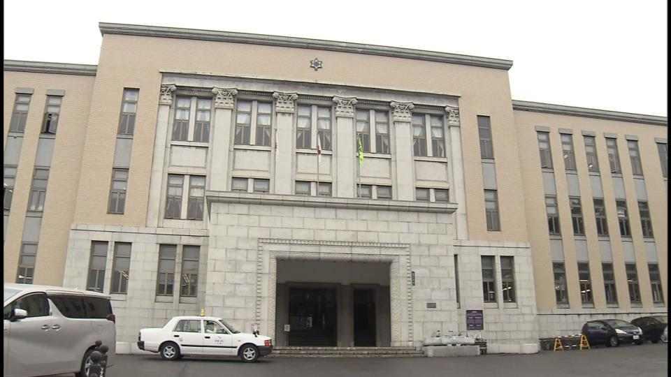 現場は小樽市役所生活支援課