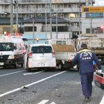 母子死傷事故でトラックの男「スマホ見て信号を確認せず」